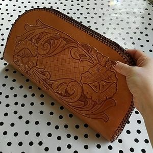 Vintage 1960s 1970s Tooled Leather Clutch
